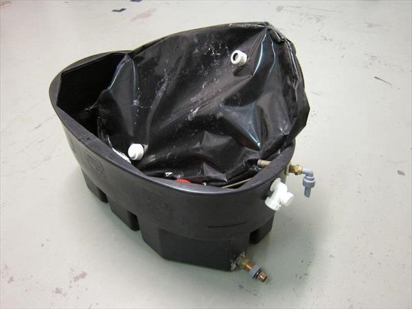x1 feed or expansion cistern -- cistern 2000 slimtank model pc50x ...