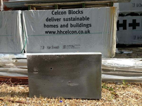 560 h and h celcon- thermalite thin joint blocks, guildford